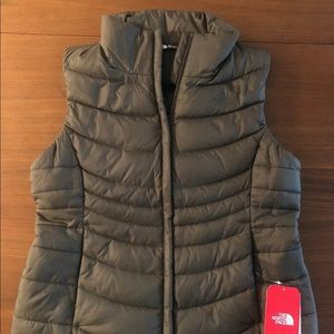 NWT North Face Aconcagua Vest Green 550 Vest